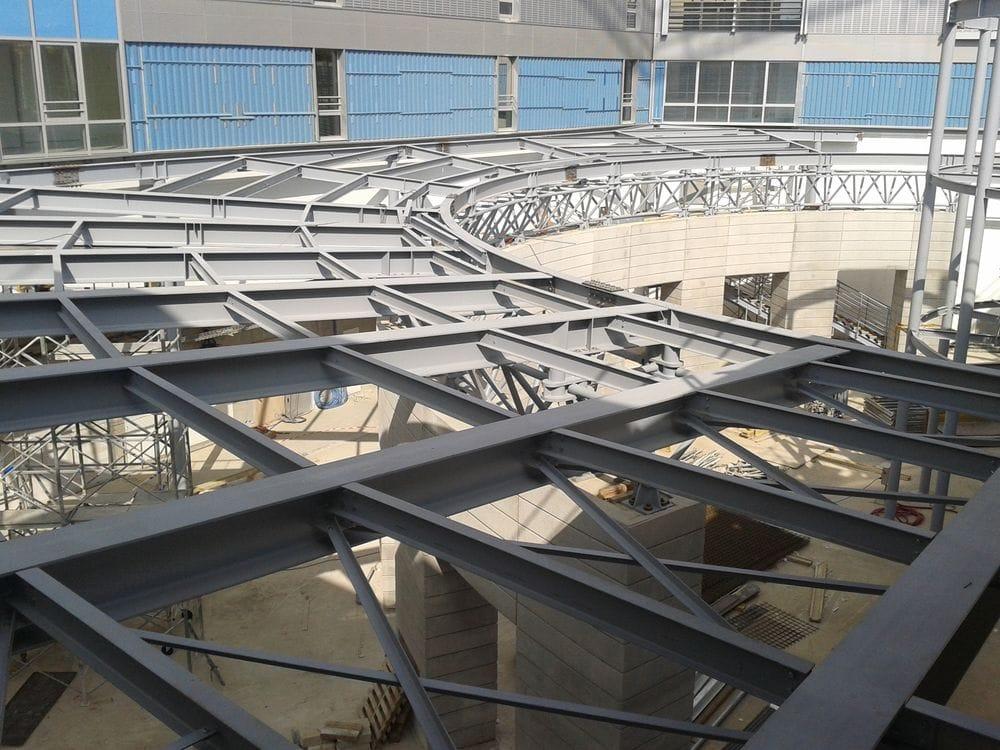 Structure métallique, bâtiment